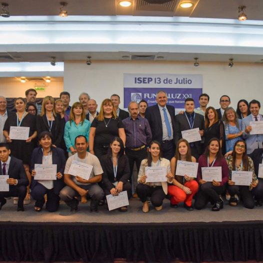 """Entrega del diplomas a egresados del ISEP """"13 de Julio"""""""